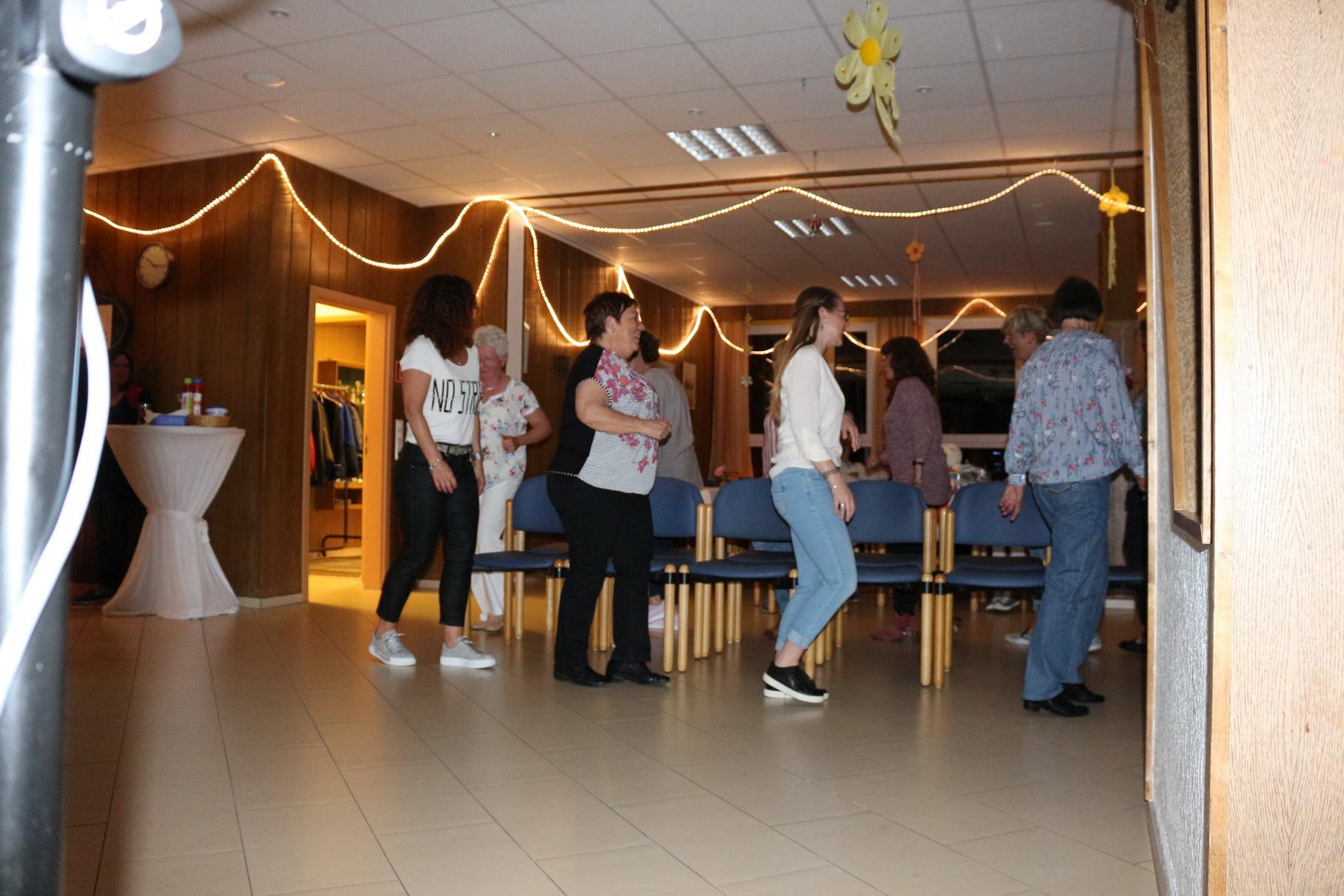 Tanz in den Mai 10