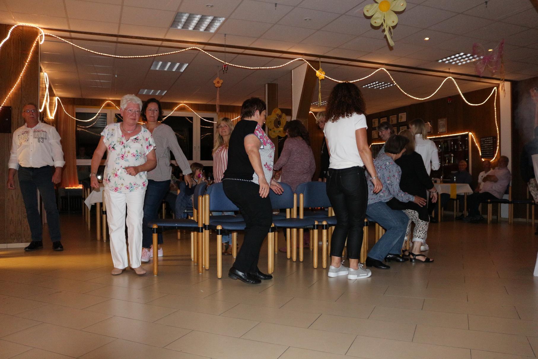 Tanz in den Mai 11